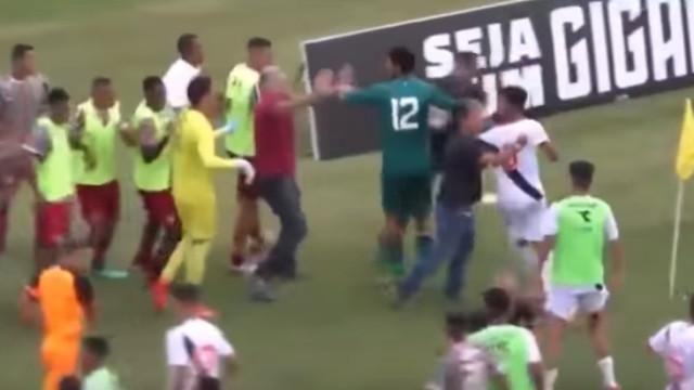 Taça Rio Sub20: Faz dança após marcar golo e provoca batalha campal
