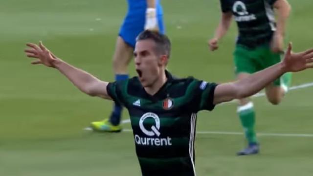 Velhos são os trapos. Van Persie marca e ajuda Feyenoord a vencer Taça