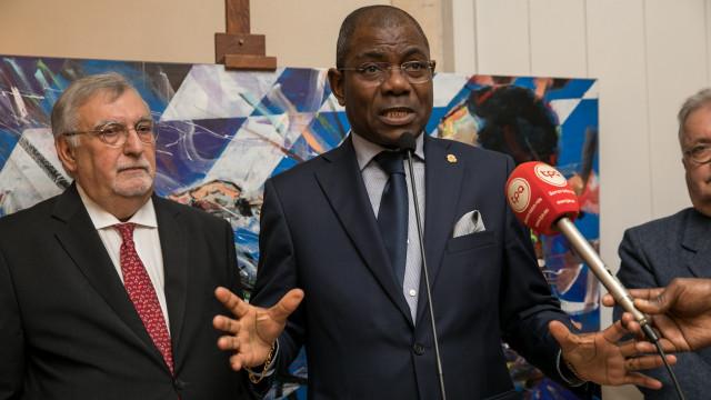 Presidente exonera embaixador angolano em Lisboa