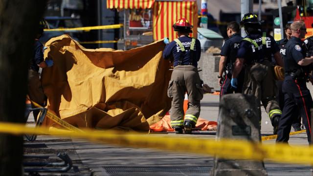 Eis as imagens do atropelamento em massa em Toronto