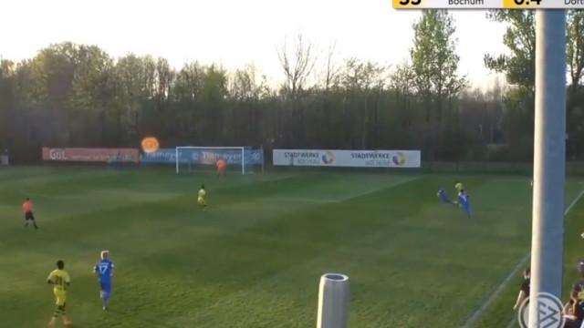 Jovem de 13 anos impressiona nos sub-17 do Borussia Dortmund
