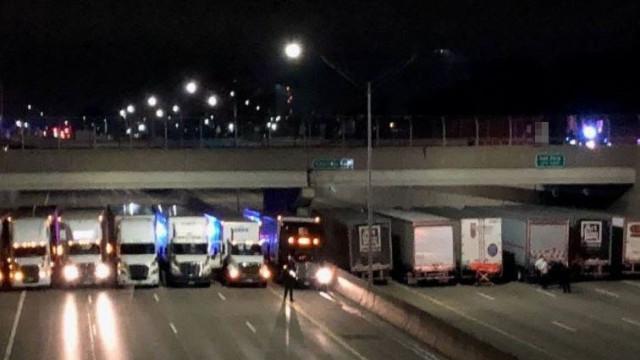 Queria suicidar-se mas camiões estavam prontos para amparar-lhe queda