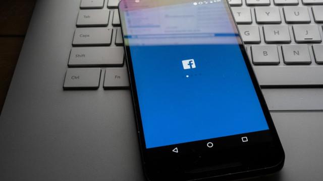 Cuidado. Contas de Facebook estão a ser vendidas na 'Dark Web'