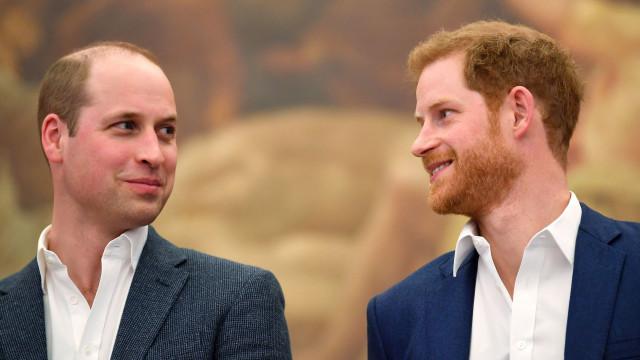 Relação de Harry e William foi afetada por Meghan Markle diz especialista