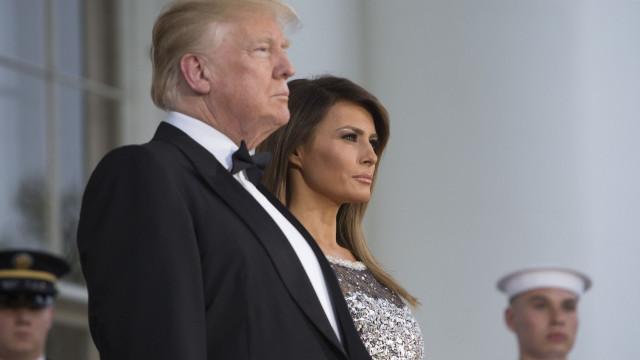 Melania Trump deslumbra em vestido cheio de brilho da Chanel