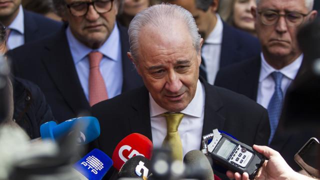 """""""Não é meu hábito andar em cada esquina a pedir a demissão do ministro"""""""