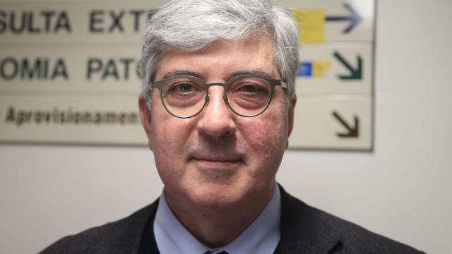 """Reitor da Universidade do Porto propõe """"aluguer de quartos a terceiros"""""""
