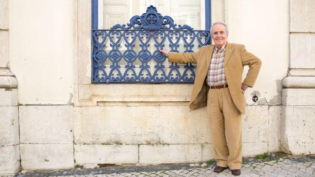 """Octávio Matos deixa """"memória afável de personagens típicas"""""""