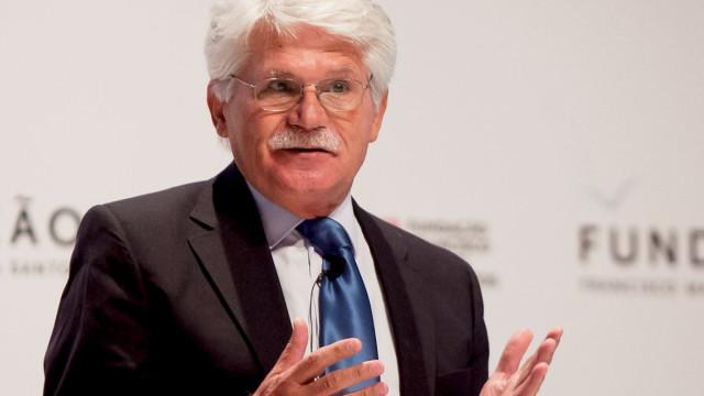 """O """"mérito"""" da proposta do PSD por abordar """"desigualdade"""" no acesso ao SNS"""