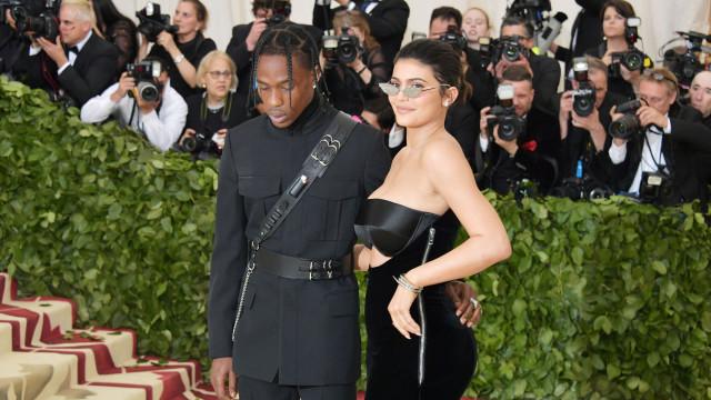 Kylie Jenner e Travis Scott planeiam casamento milionário em ilha secreta