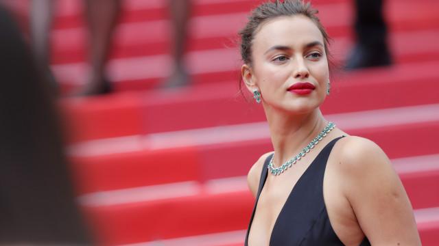 Irina Shayk faz subir a temperatura com foto em lingerie