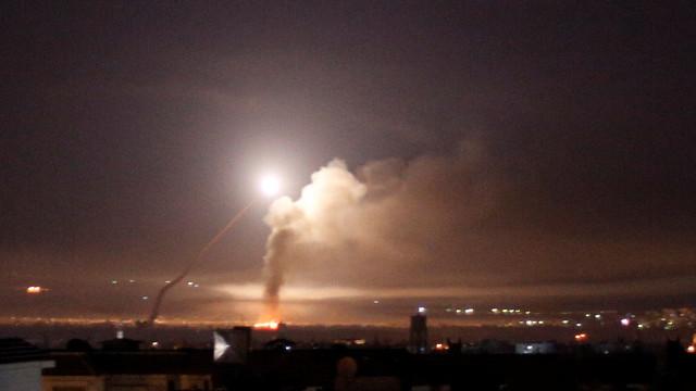 Ataque de Israel a alvos iranianos na Síria matou 23 pessoas