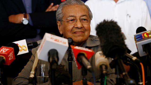 Malásia quer cancelar construção de infraestruturas acordadas com a China
