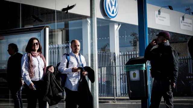 Trabalhadores e administração da Autoeuropa retomam negociações este mês