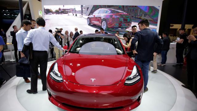 Não se preocupe. O seu Tesla Model 3 está a caminho