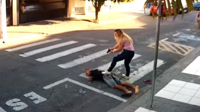 Mãe que matou assaltante armado homenageada em São Paulo