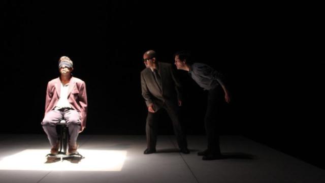 Escola da Noite estreia 'Cinzas' a partir da obra de Harold Pinter
