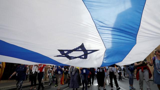 Israel intercetou ativistas que tentaram romper bloqueio à Faixa de Gaza