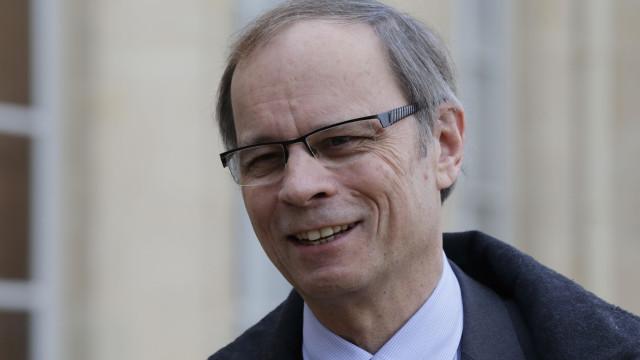 """É nos tempos positivos que se preparam as crises"", alerta Nobel"