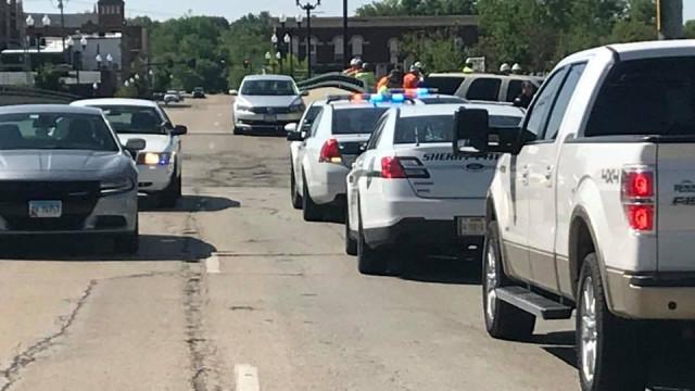 Polícia dispara sobre estudante e evita tiroteio em escola do Illinois