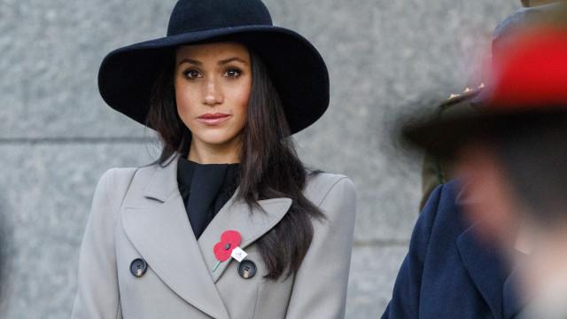Meia-irmã de Markle lança farpas e quer que pai visite palácio real