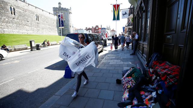 Camas dadas a sem-abrigo durante Casamento Real, mas maior parte rejeitou