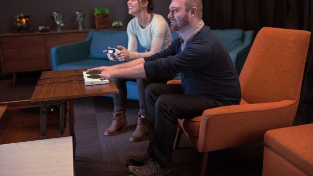 Xbox cria comando especialmente feito para pessoas com deficiências