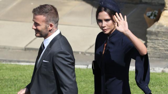 Vestido usado por Victoria Beckham no casamento real à venda na Internet