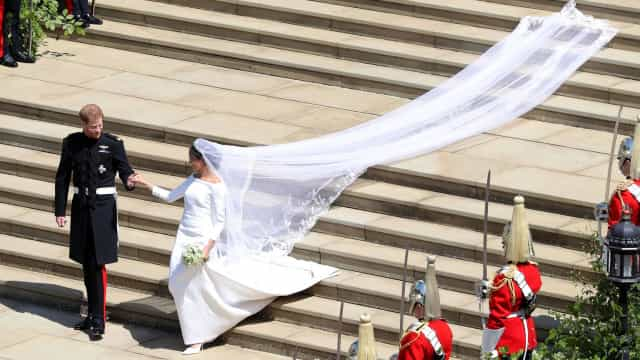 Véu de Meghan Markle homenageou princesa Diana