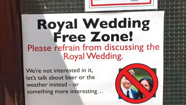 Este pub vai multar os clientes que falem do Casamento Real