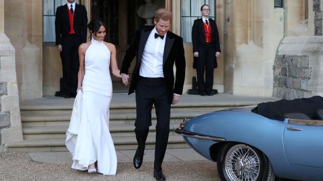 Vão estar à venda 46 cópias do segundo vestido de noiva de Meghan Markle