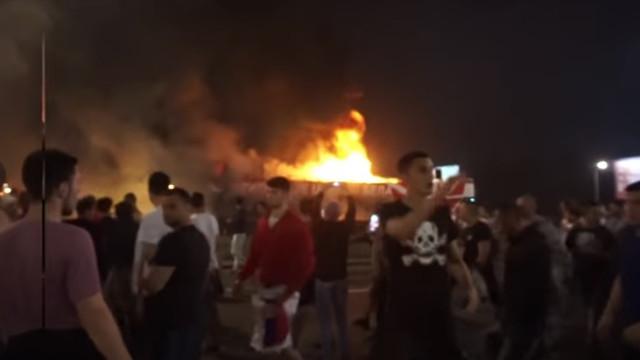 Autocarro do Estrela Vermelha pegou fogo durante festejos do título