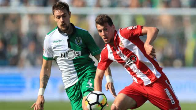 [1-0] Aves-Sporting: Jesus mexe. Sai William e entra Montero