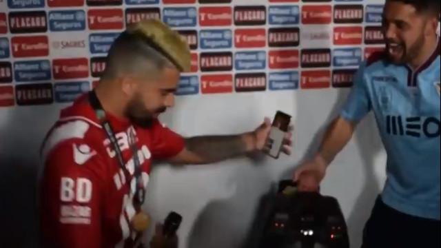 Paulo Machado e... Quim Barreiros fazem 'dueto' na festa da Taça