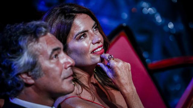 Bárbara Guimarães assume namoro publicamente nos Globos de Ouro