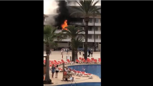 Incêndio em hotel em Maiorca provoca o caos