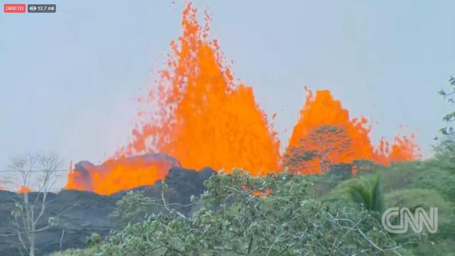 A 'fonte' de lava que não para de fluir de uma fissura do vulcão Kilauea