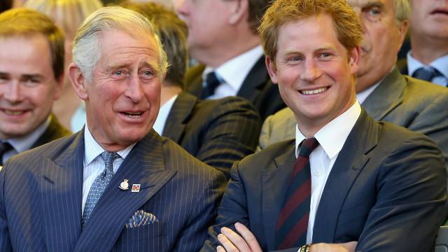 Charles fez um discurso dedicado a Harry que levou convidados às lágrimas