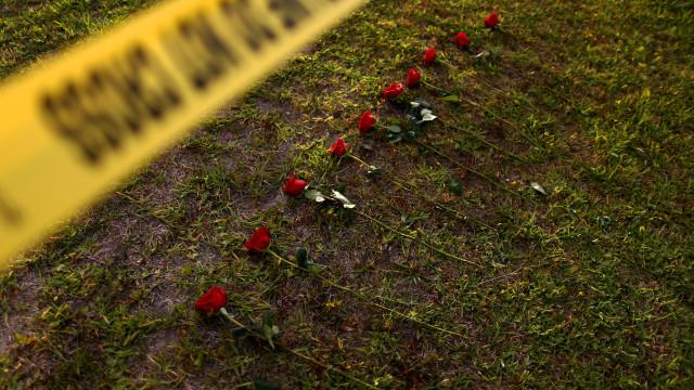 Luto, choque e união. EUA choram por mais um massacre numa escola