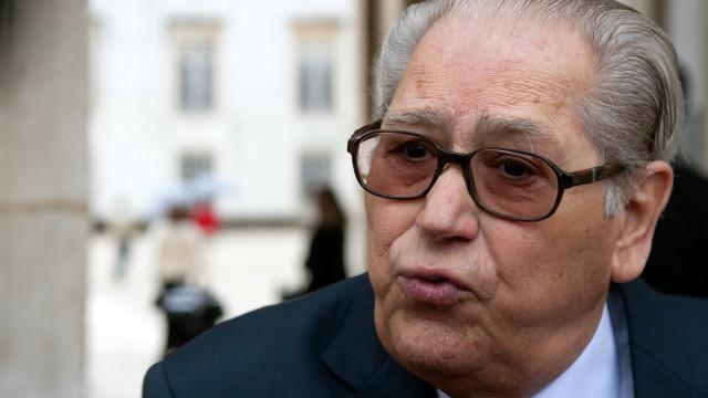 Dia de luto nacional: PS chora morte do eterno humanista António Arnaut
