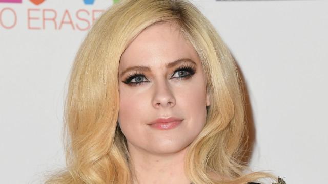 Eis o novo amor (ricalhaço) de Avril Lavigne