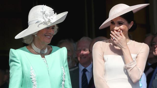 'Best friends!': Meghan Markle mostra cumplicidade com Camilla