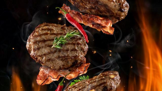 Gosta de carne no churrasco ou grelhada? Atenção, ao risco de cancro