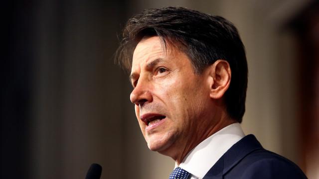 Giuseppe Conte desiste de formar Governo em Itália