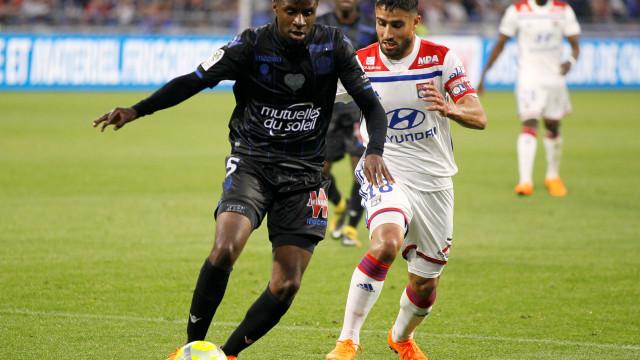 FC Porto procura alternativa a Danilo. Alvo referenciado na Liga francesa