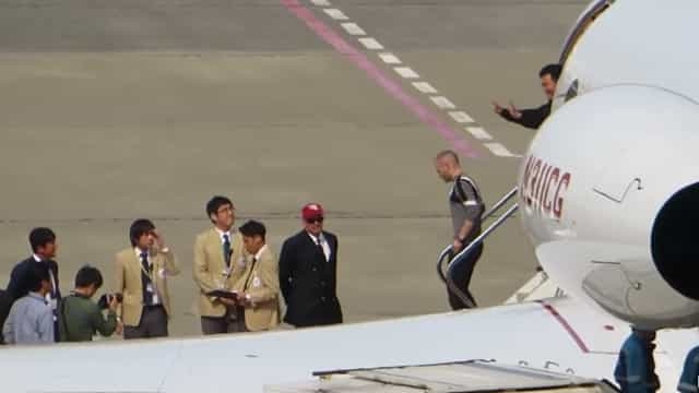 Iniesta aterrou no Japão e teve direito de imediato a passadeira vermelha