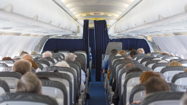 Aprovada proposta para registo de identificação dos passageiros aéreos