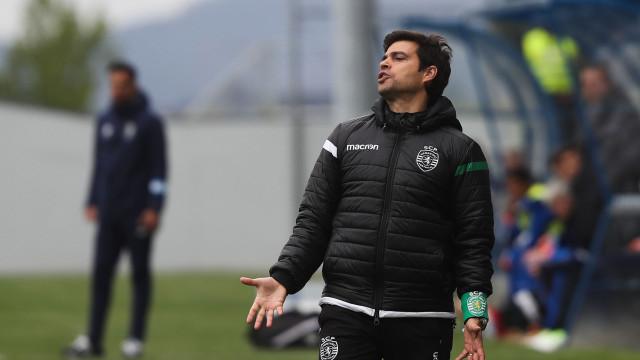 Rio Ave e Moreirense sondam treinador de juniores do Sporting