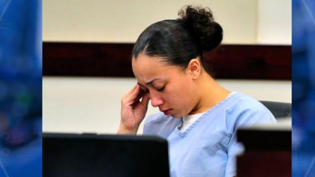 Mulher condenada por matar homem que a violou aos 16 anos pede clemência