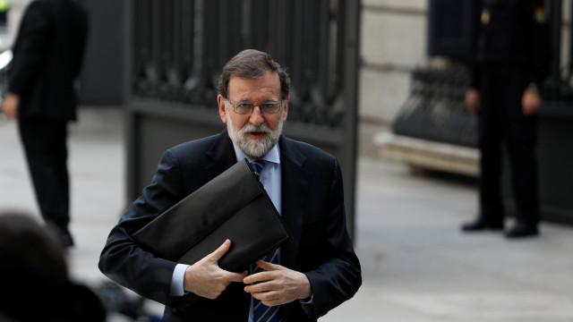 """Eixo-Atlântico diz que Mariano Rajoy deve demitir-se """"por dignidade"""""""